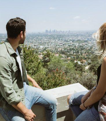 Couple gazing into the city, maps Google